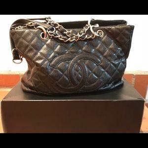 Vintage Chanel Grand Shopper